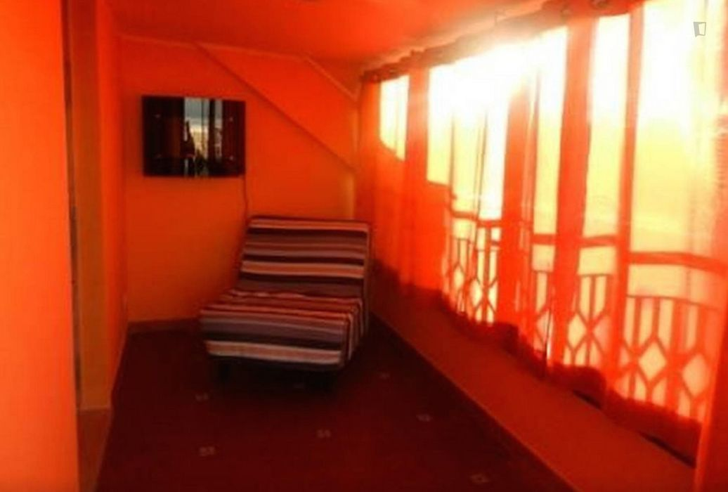 2-Bedroom apartment in peaceful Ostia municipality