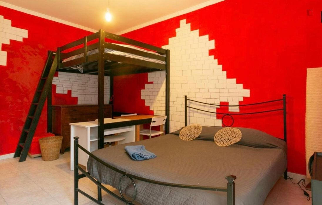 Bed in twin bedroom close to Navigli