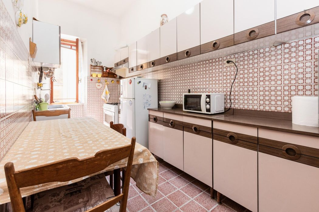 Single bedroom near the Piramide metro