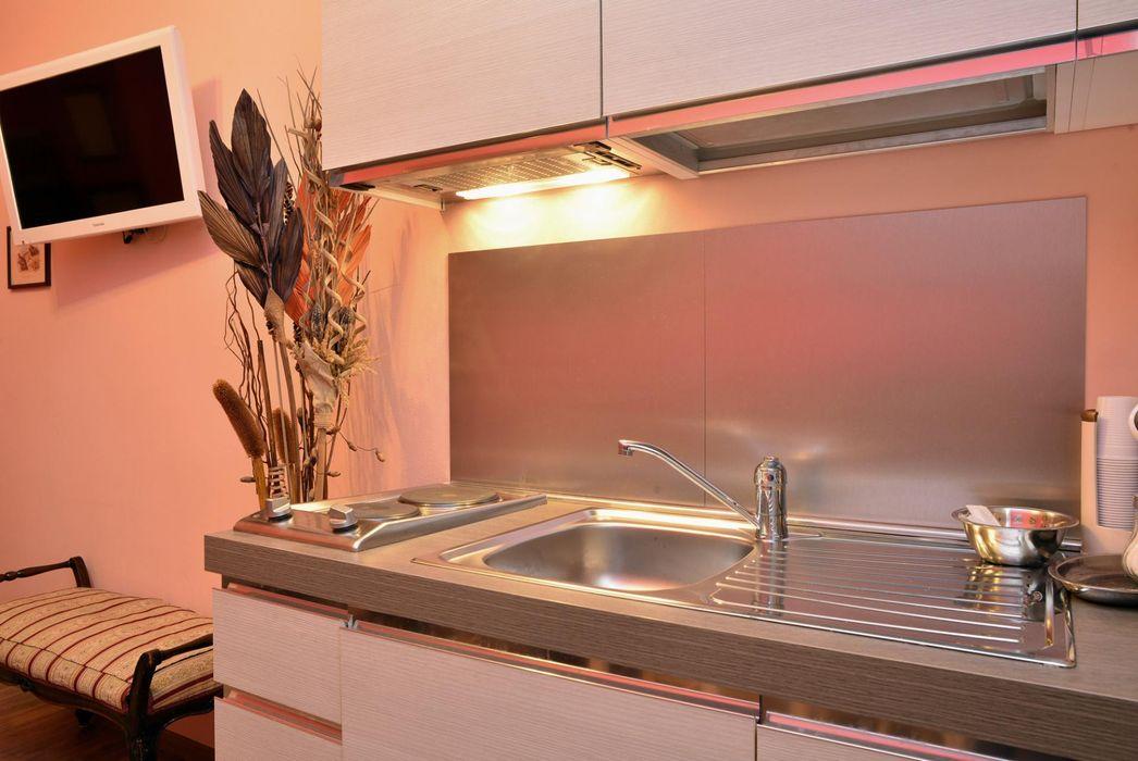 High-quality single bedroom close to Cornelia metro station