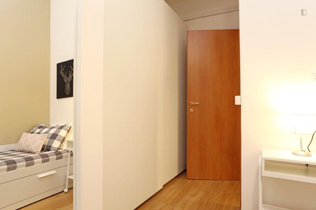 Cozy single bedroom near Università Cattolica del Sacro Cuore