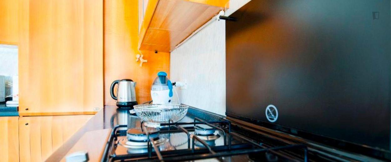 Snug 1-bedroom apartment near the Istria metro
