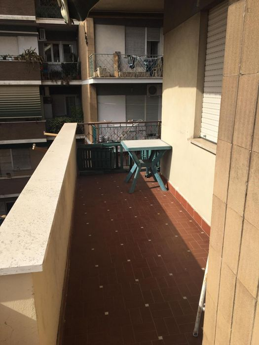 Bright double bedroom in a 2-bedrooms apartment close to Roma Tiburtina station