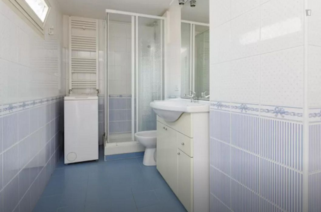 Comfy 2-bedroom flat in the Regola neighbourhood