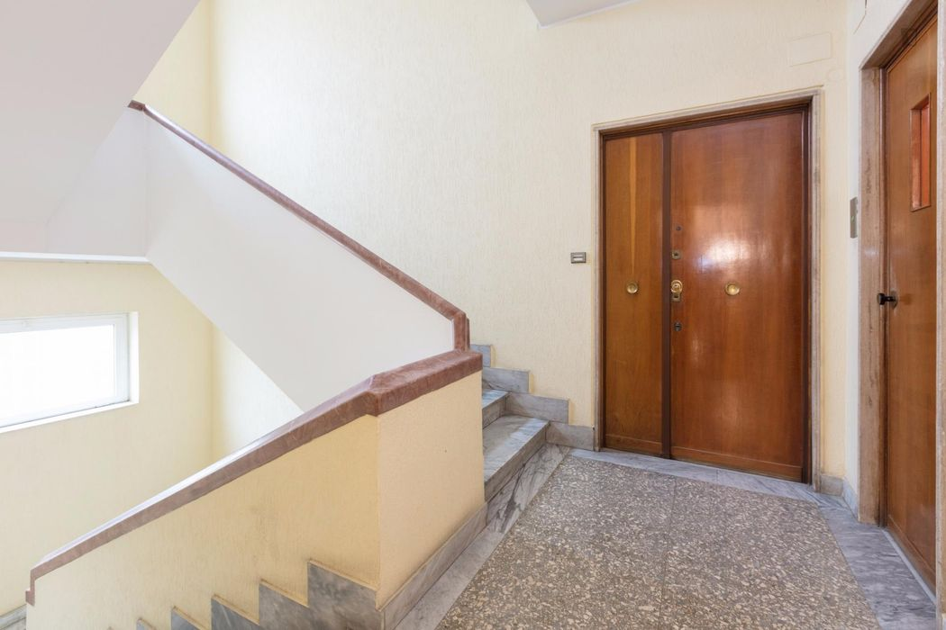 Double bedroom with a balcony, in Ostiense
