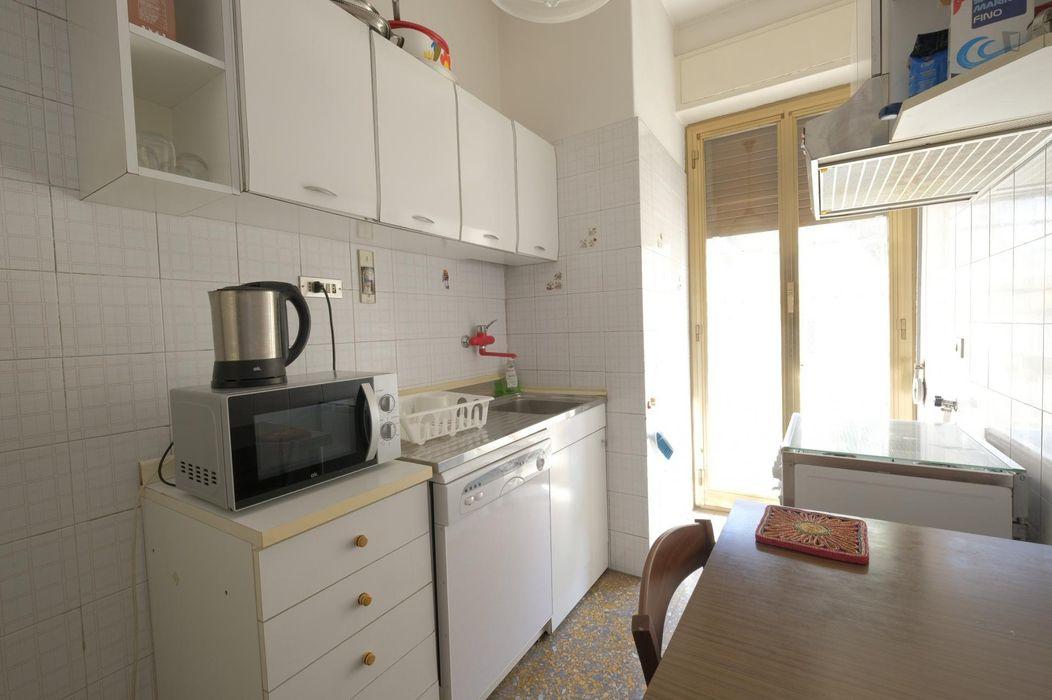 Bright triple bedroom in Gianicolense neighbourhood