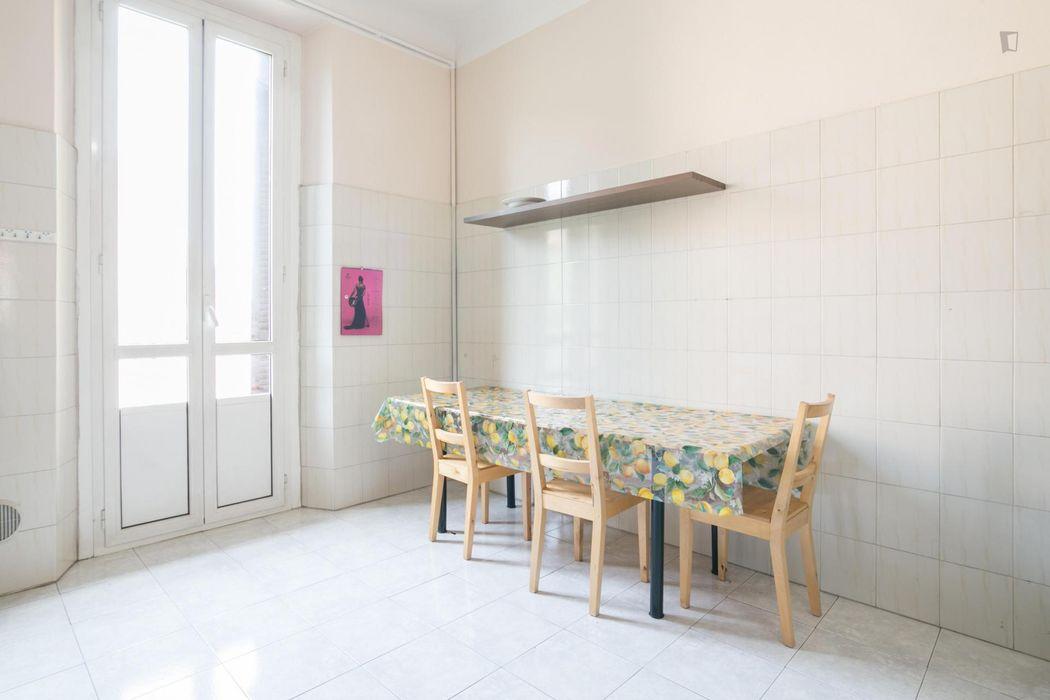 Swell single bedroom, bordering Simonetta