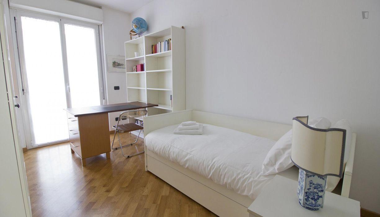 Great-looking 2-bedroom flat in Mecenate