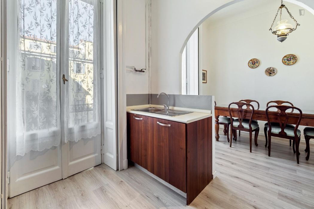 Elegant 3-bedroom apartment well connected to Duomo