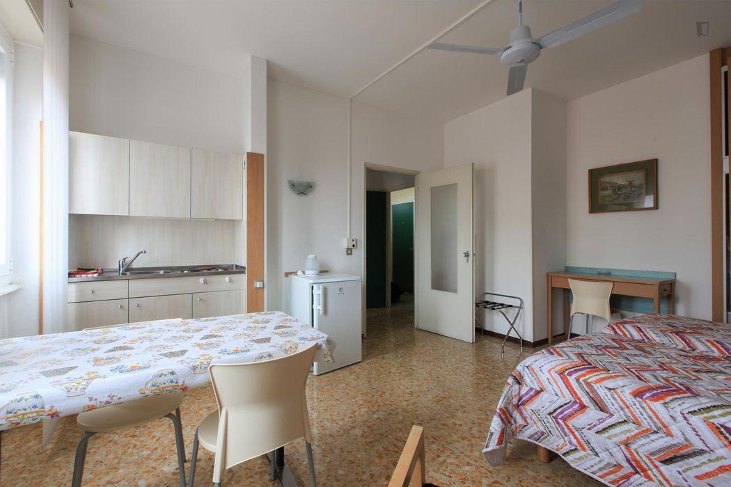 Spacious studio in Sempione - Sarpi