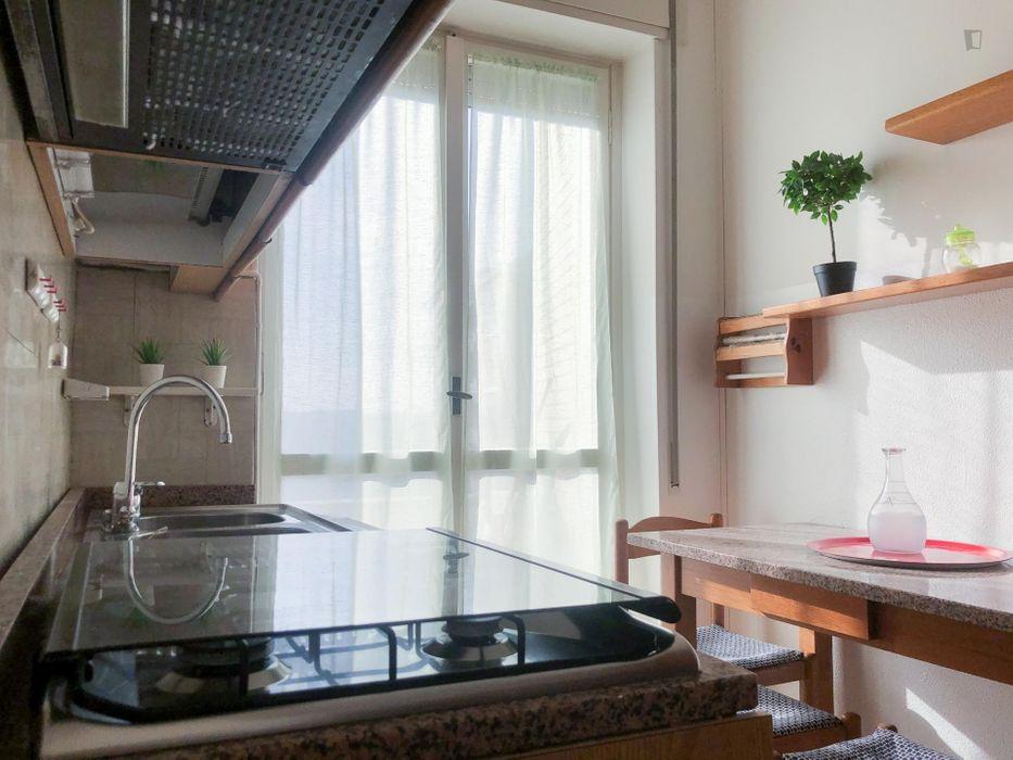 Homely single bedroom close to Bovisa