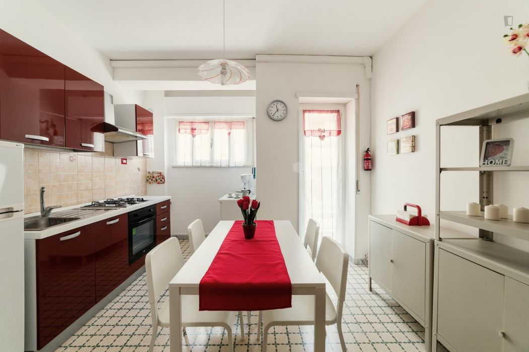 Double bedroom in a 2-bedroom apartment near Teano metro station