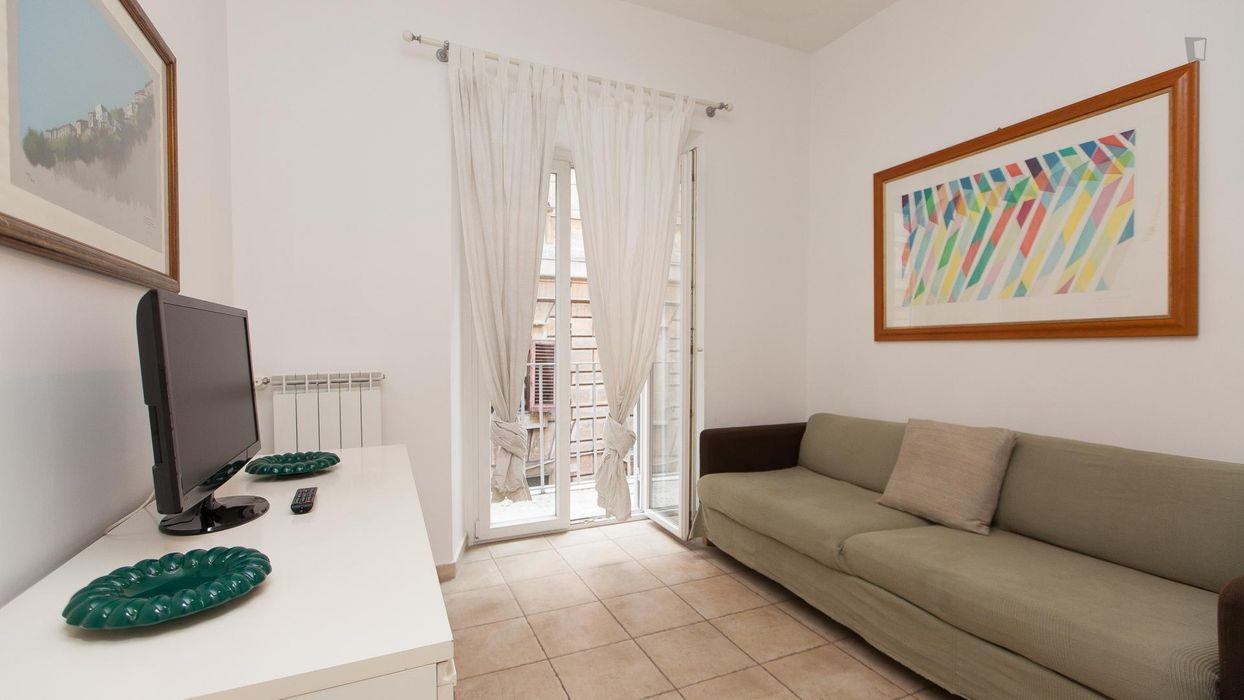 Outstanding 2-bedroom apartment in the vibrant heart of Rome