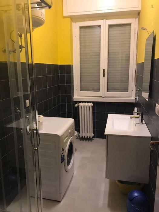 Cool double bedroom in Navigli neighbourhood