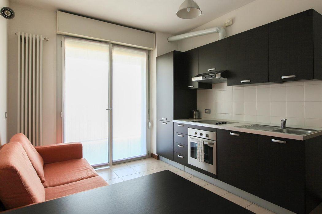 Single bedroom in a 2-bedroom flat in Bicocca