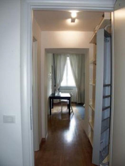 Snug 1-bedroom apartment right next to Sapienza Università di Roma