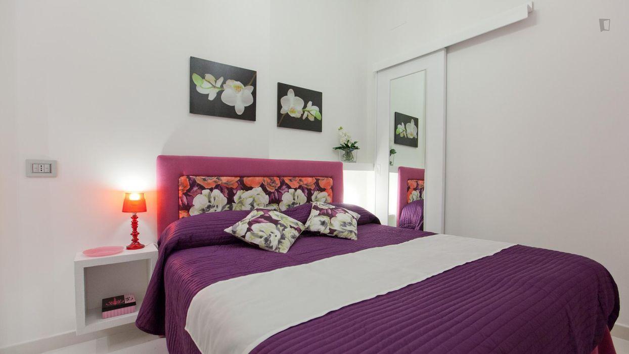 Fabulous 1-bedroom apartment right next to Palazzo della Consulta