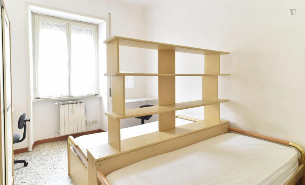 Good looking twin bedroom close to Policlinico metro station
