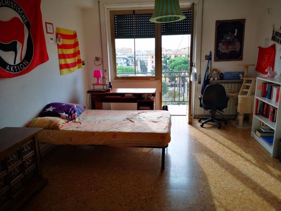 Cosy double bedroom in San Lorenzo Neighborhood