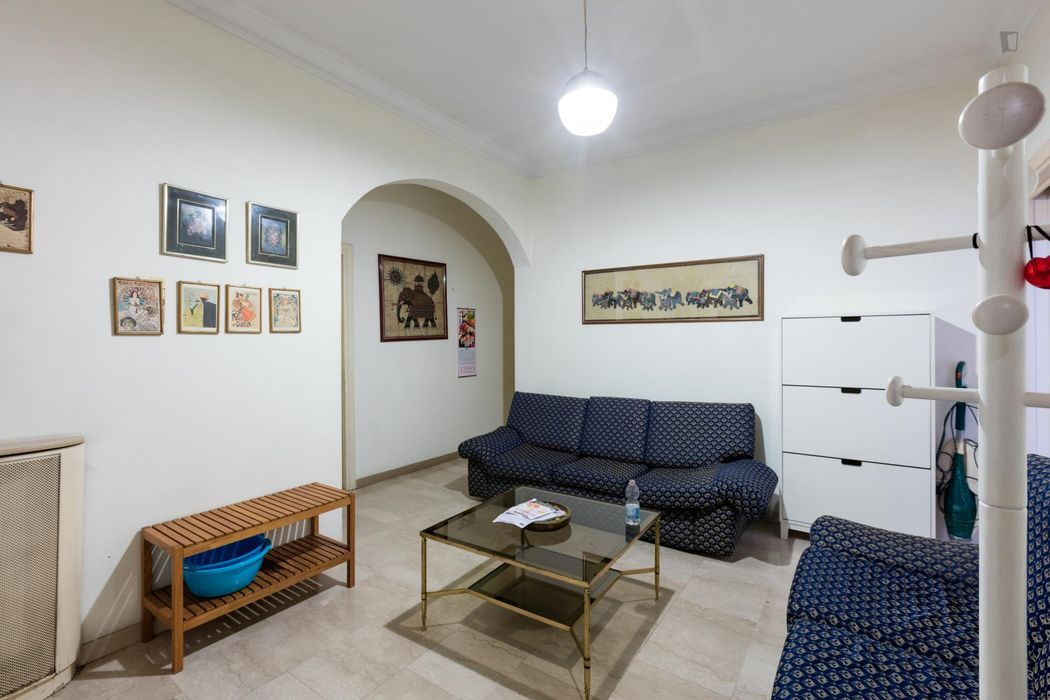 Cool doulbe bedroom near Jonio metro station