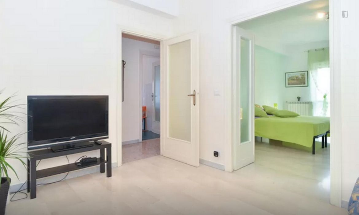 Fine 3-bedroom flat in Quartiere XXII Collatino
