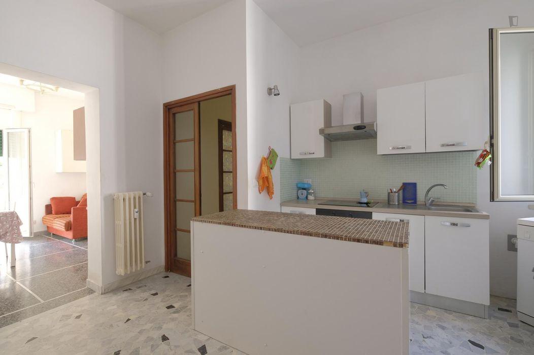 Comfy single bedroom in Trieste neighbourhood
