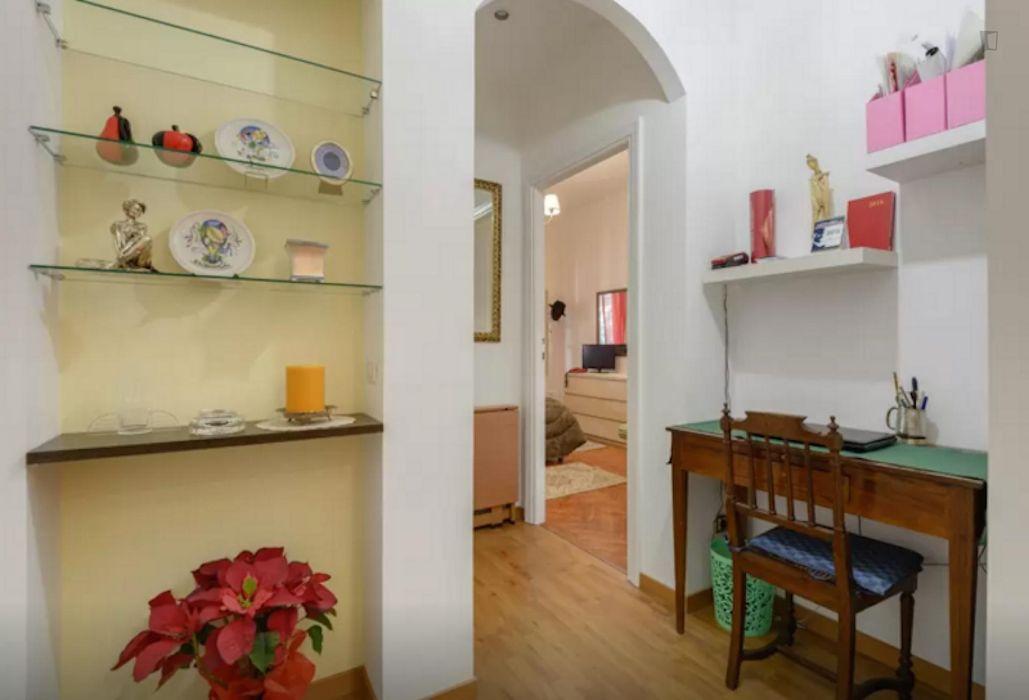 High-quality double ensuite bedroom in Quartiere XI Portuense