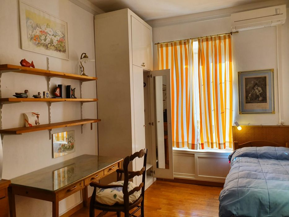 Charming single bedroom in a shared apartment, near the American University of Rome