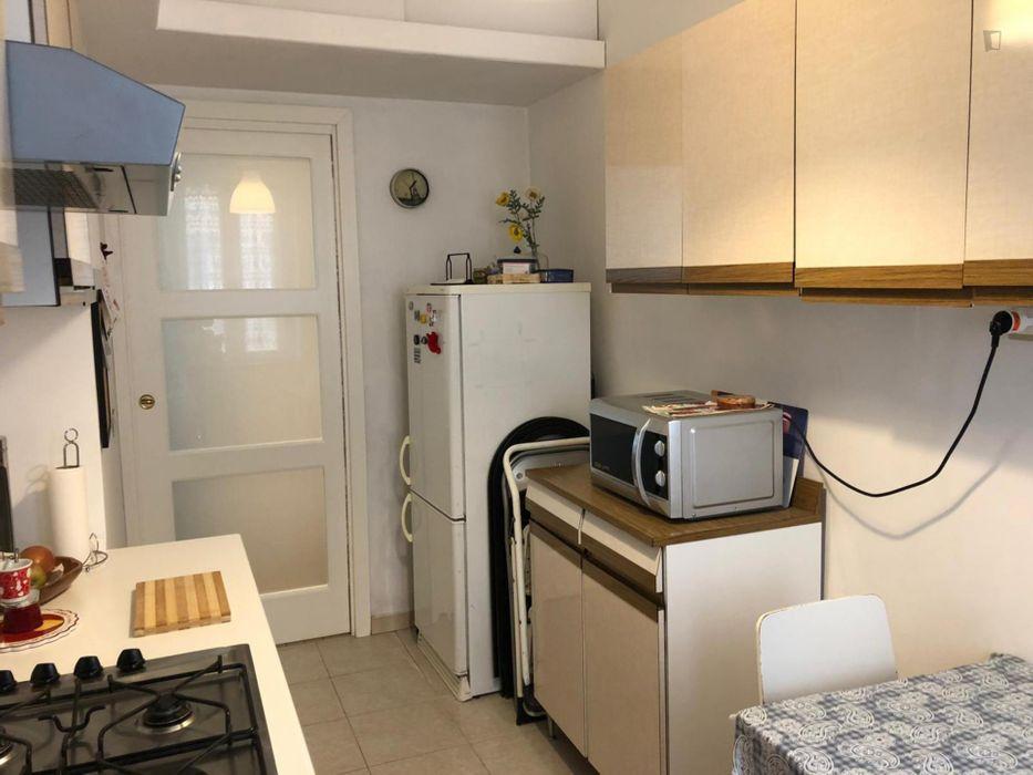 Twin Bedroom in a 2-bedroom apartment near Basilica Papale San Paolo fuori le Mura