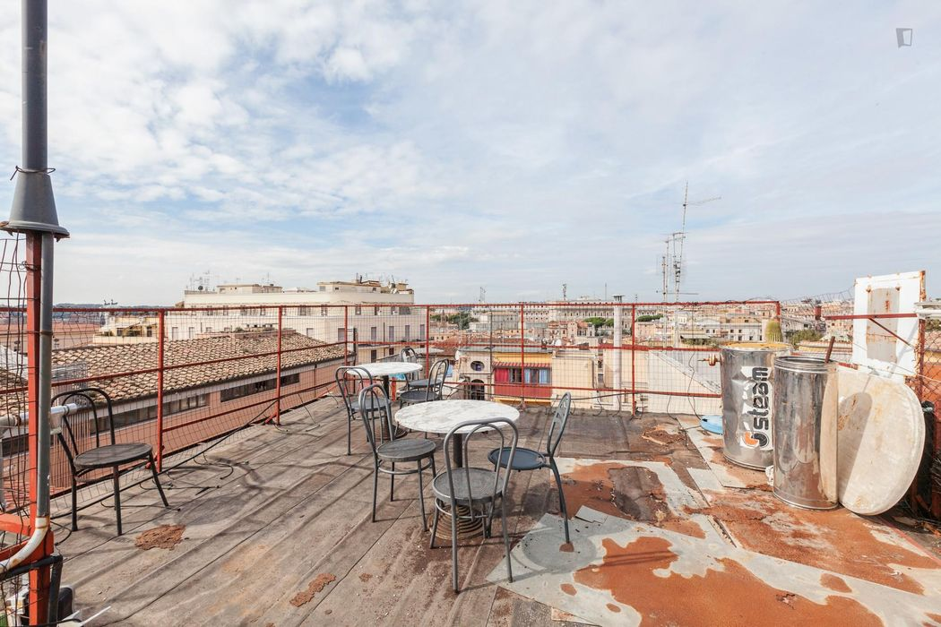 Cosy 2 bedroom apartment between Cavour and Termini