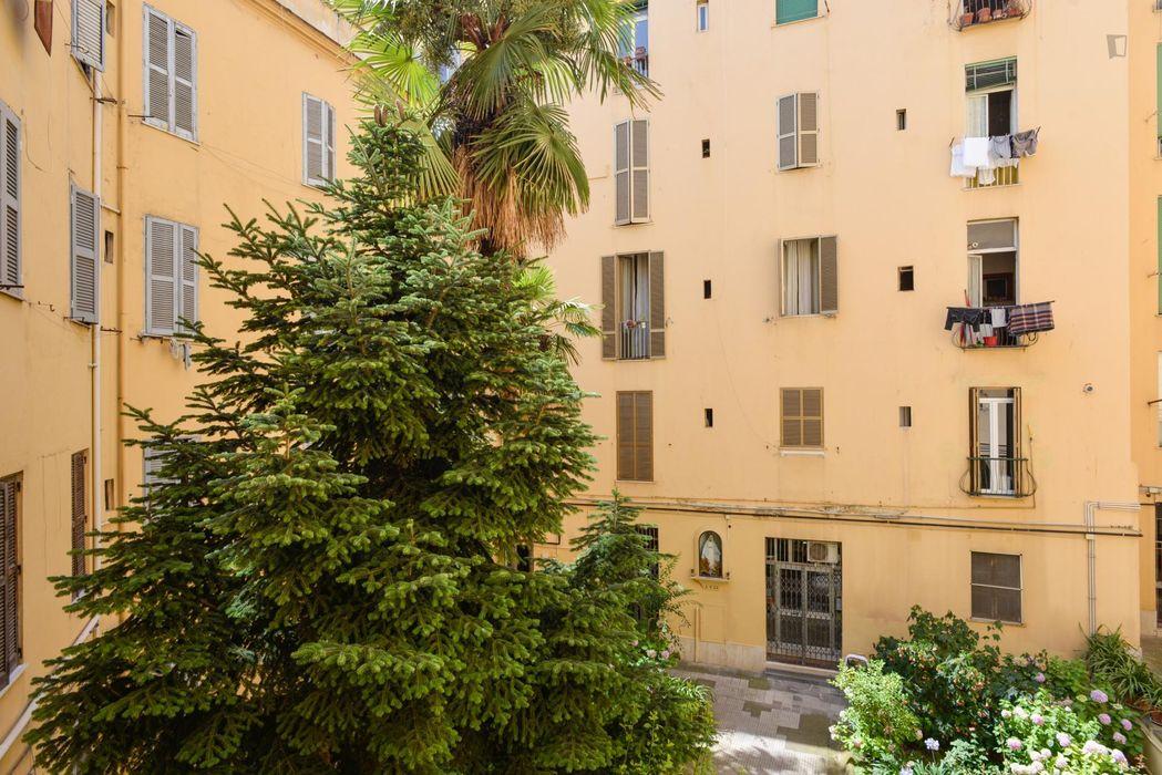 Bright double bedroom close to Sapienza University
