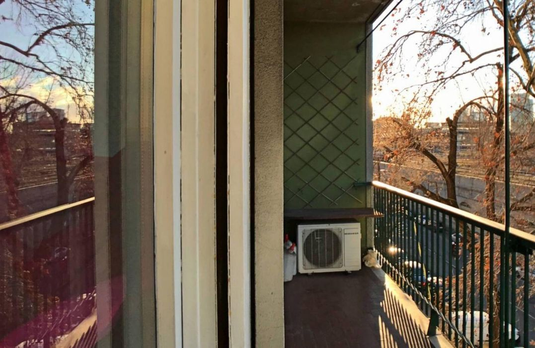 Airy single bedroom close to Centrale metro station