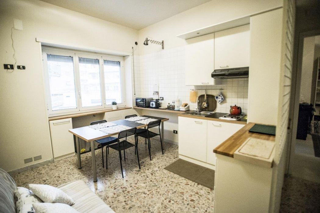 Neat double ensuite bedroom in Primavalle