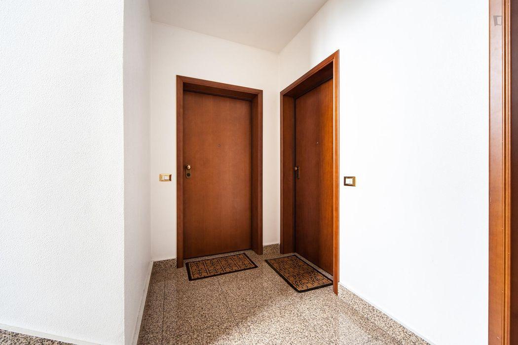 Spacious single bedroom next to Universita' Degli Studi Di Roma Tor Vergata