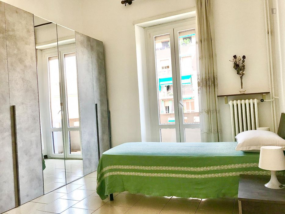 2-Bedroom apartment near Milano Villapizzone Railway Station