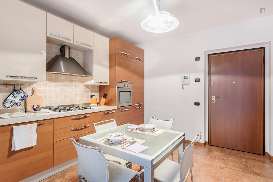Bright one bedroom apartment 45 min from Milan