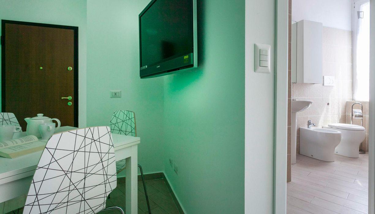 Super exquisite 1-bedroom apartment near the Sondrio metro