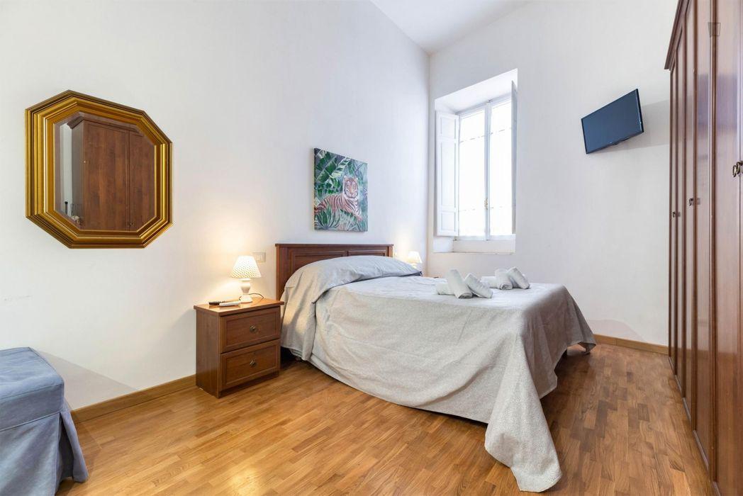 3-Bedroom apartment near Casa delle Vestali