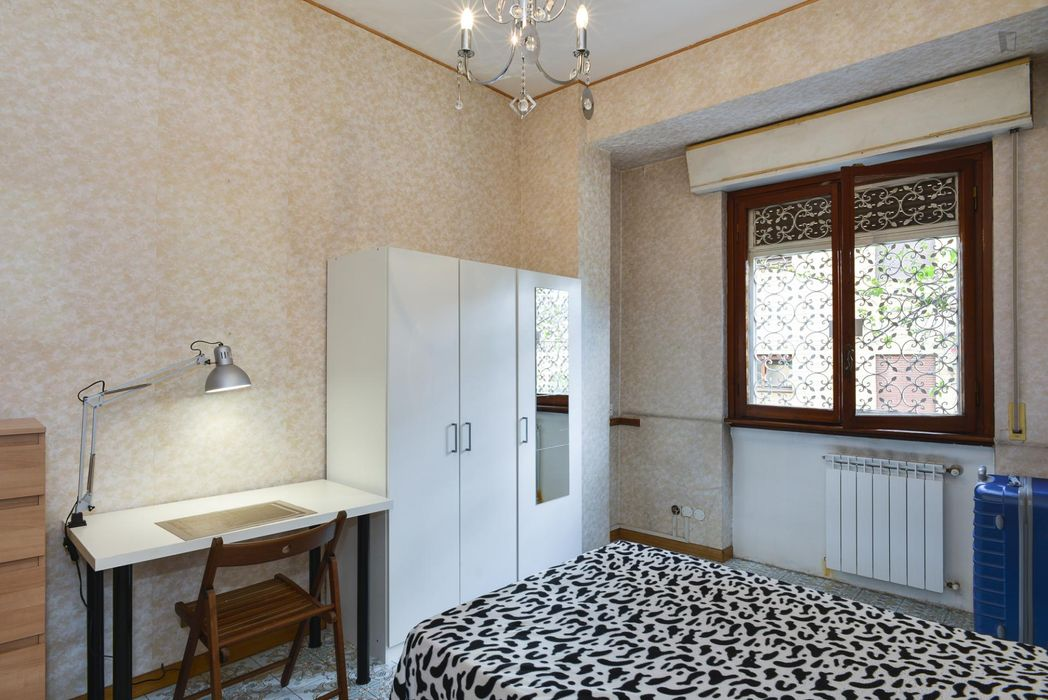 Lovely single bedroom next to Parco delle Tre Fontane