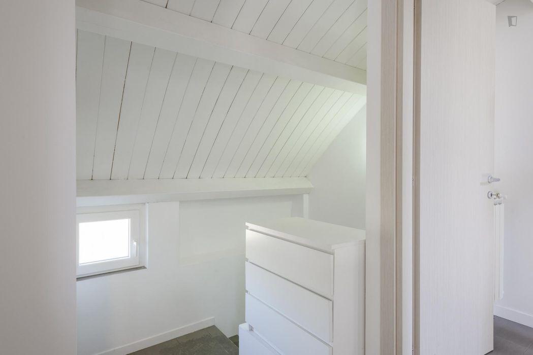 Cool room in Tor Vergata Neighbourhood