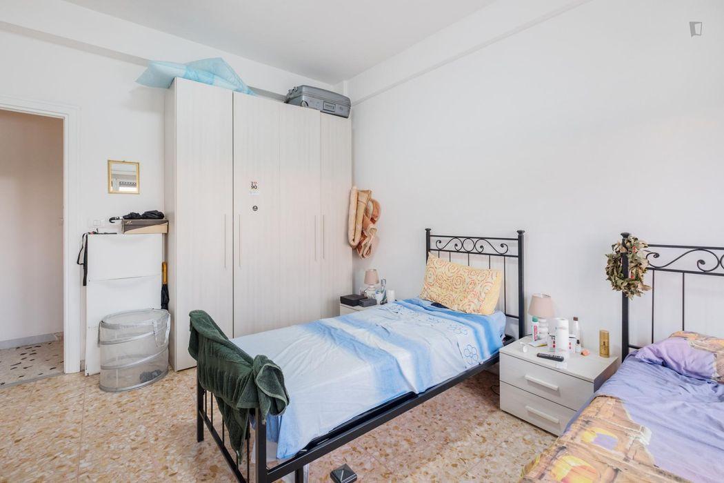 Twin bedroom in Ostiense neighbourhood