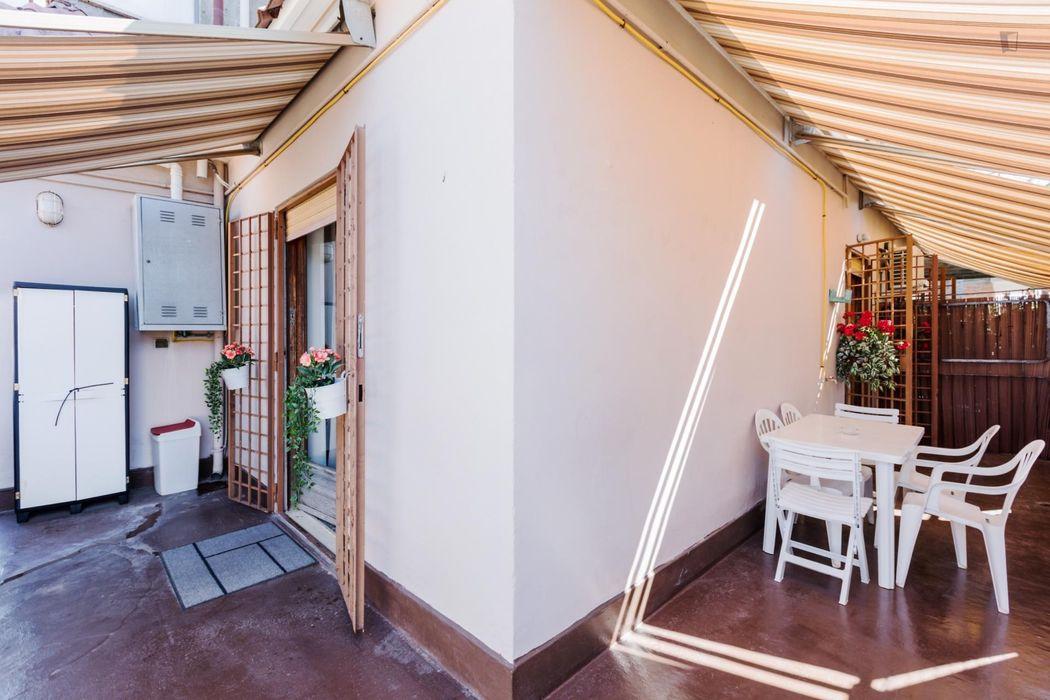 Fresh 2-bedroom apartment right next to Universita' Cattolica del Sacro Cuore