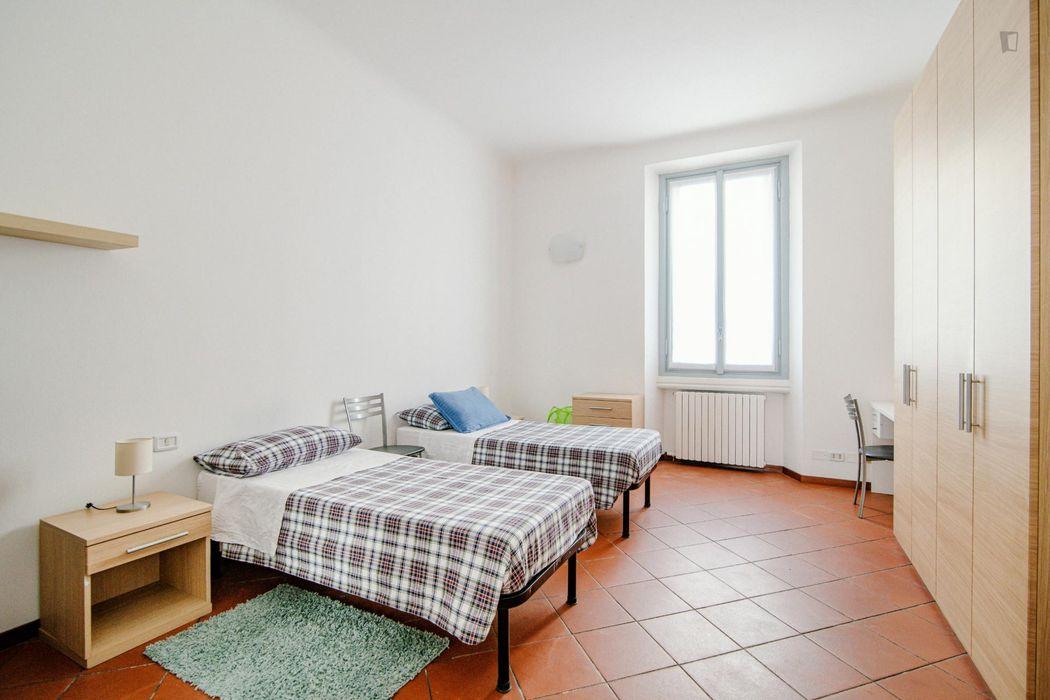 Spacious three-rooms apartment in porta Venezia
