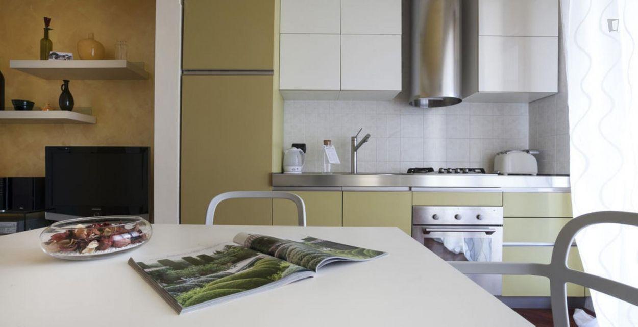 1-Bedroom apartment with a terrace, in Bocconi-Porta Romana