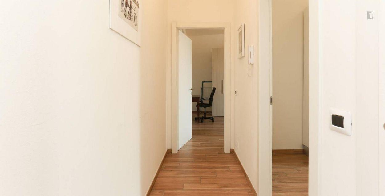 Bright 1-bedroom apartment close to Fondazione Prada