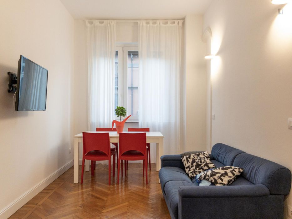 Cool double bedroom close to Caiazzo metro station