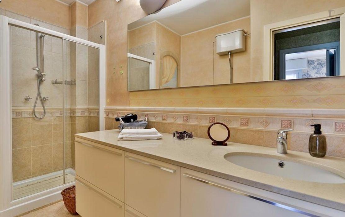 Elegant and spacious apartment near Acquabella