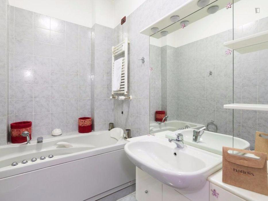 Comfortable and bright apartment near Maciachini metro station