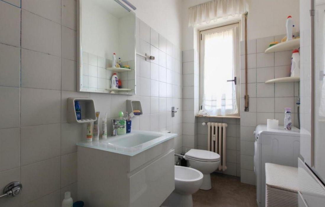 Spacious single bedroom in Navigli neighbourhood
