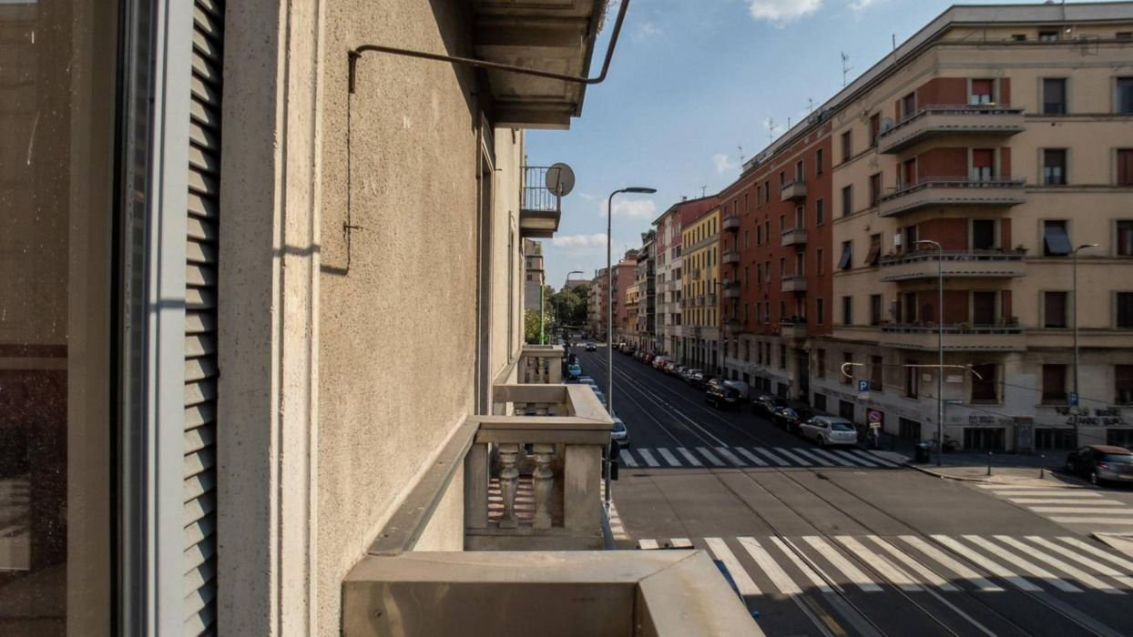 Spacious 1-bedroom apartment connected to Bocconi University